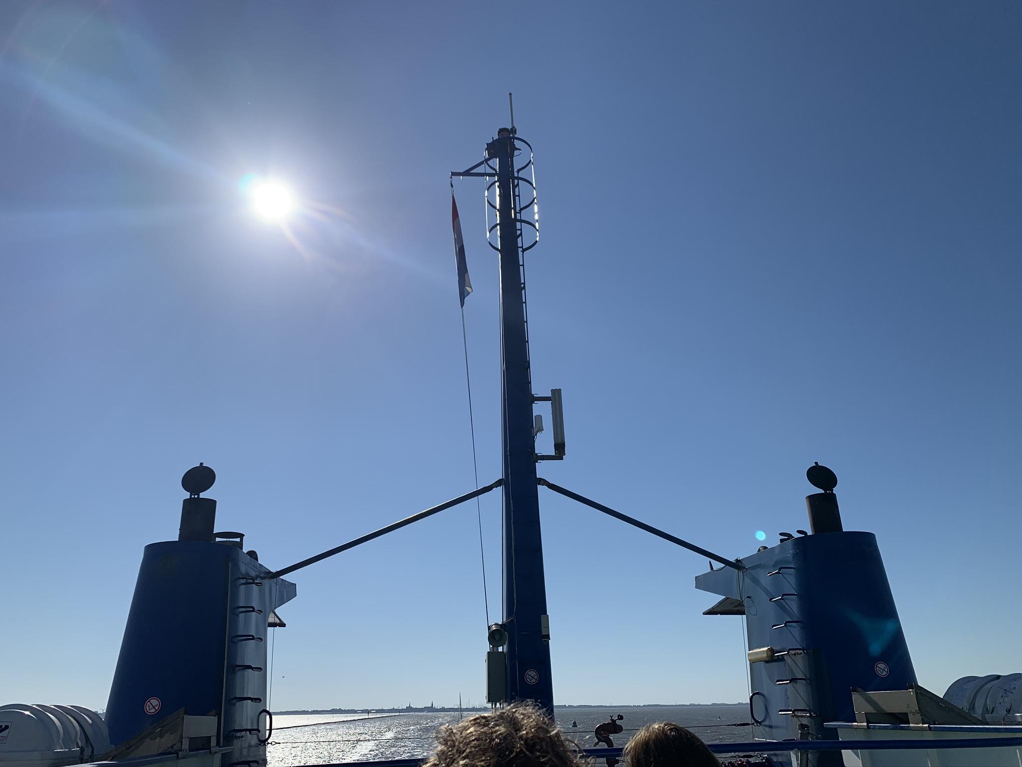Op Doeksen boot van Harlingen naar Vlieland (Vlibiza)